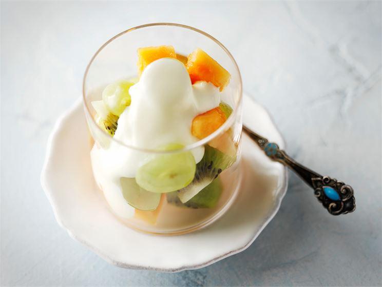 Kuohkea vanilja-jogurttikastike