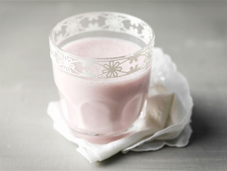 Raikas jogurttijuoma