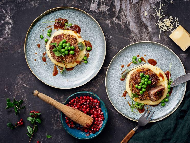 Vuoden kokin heinäsorsawallenberg, perunapyreetä ja sipulikastiketta