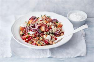 Bataatti-kvinoasalaatti