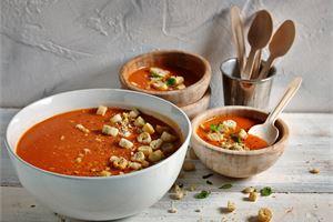 Mozzarella-tomaattikeitto