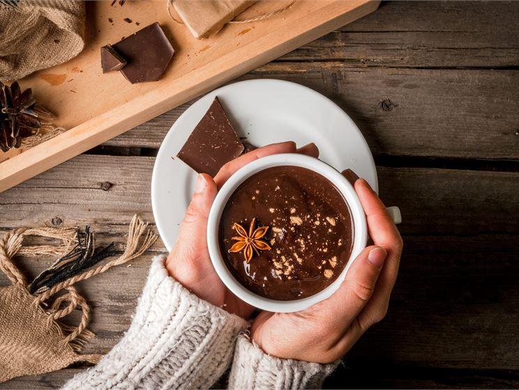 Varm kryddig chokladkräm