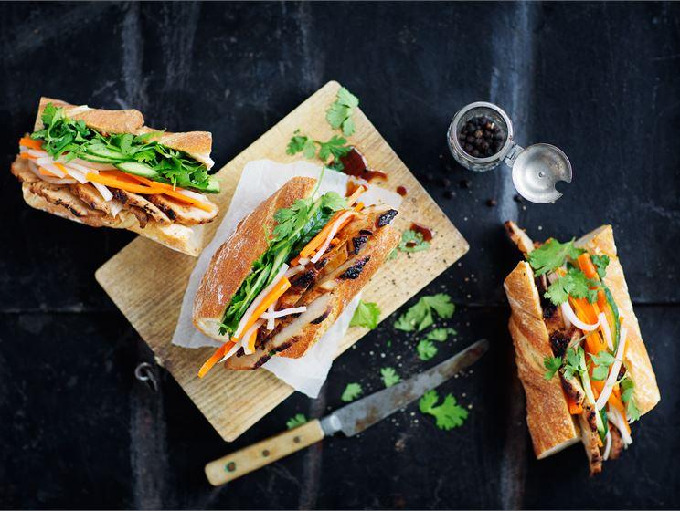 Bánh mì eli vietnamilainen täytetty leipä