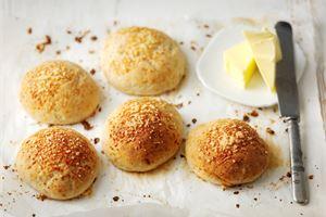 Gluteenittomat juustosämpylät