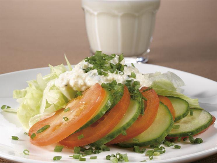 Vihreä juustosalaatti