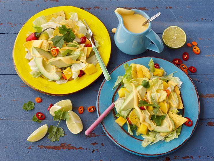 Nachos-salaatti
