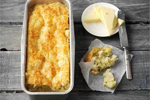 Gluteeniton kesäkurpitsa-juustoleipä