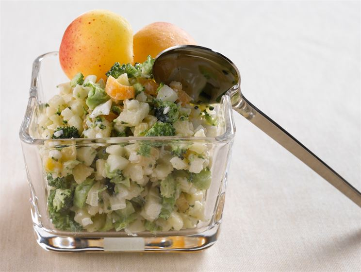 Kukkakaali-parsakaalisalaatti