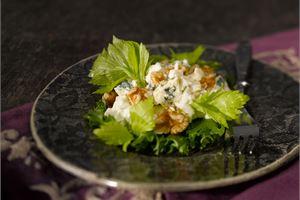 Juustoinen Waldorf-salaatti