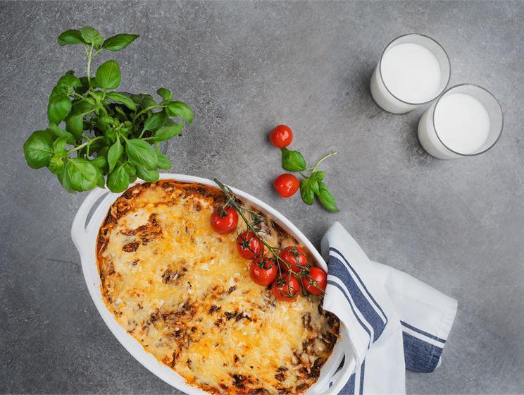 Krämig lasagne med smak av grillad paprika och spenat