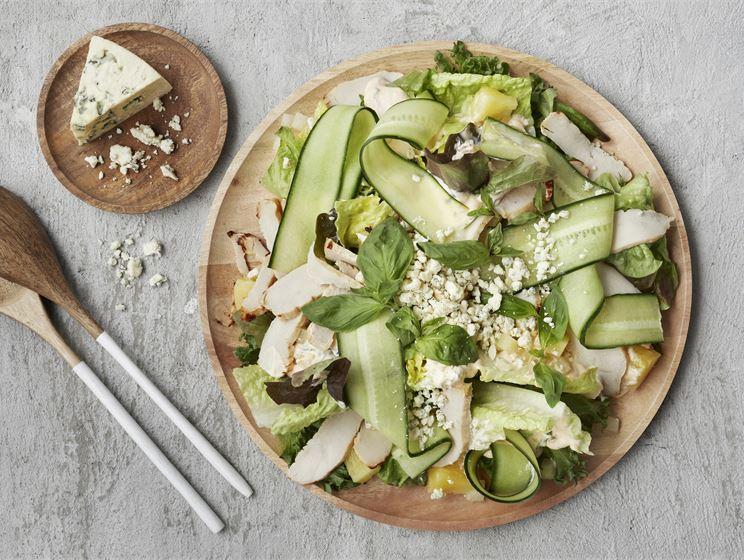 Broileri-AURA-salaatti