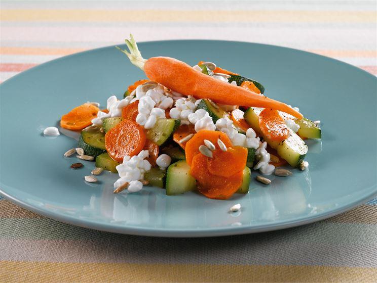Porkkana-siemensalaatti