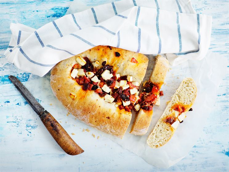 Välimeren täytetty leipä