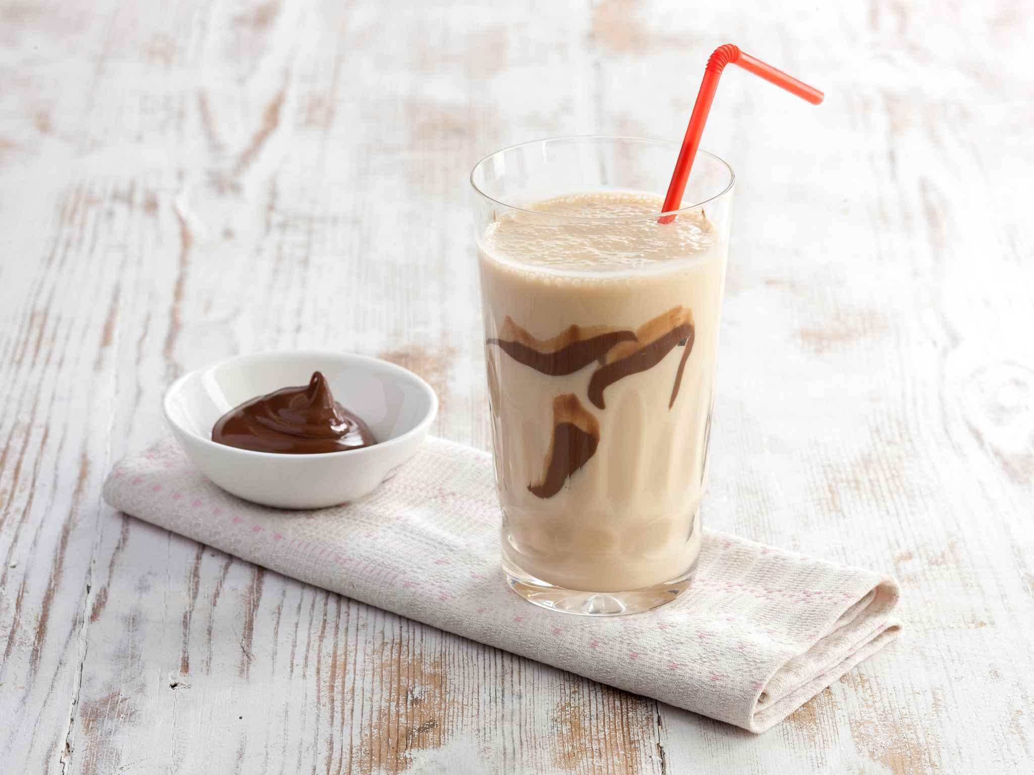 Kinuski-suklaapirtelö