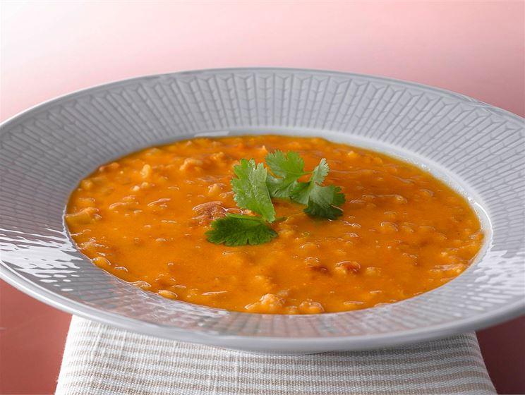 Pekoni-tomaattikeitto