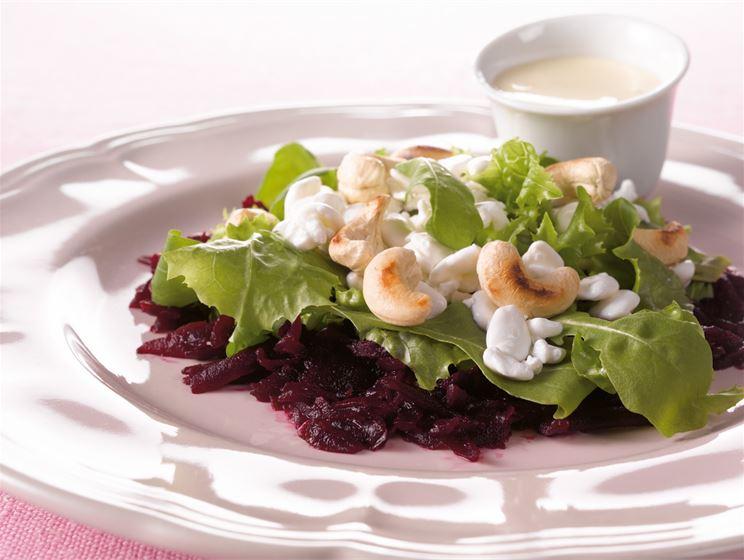 Kolmen kerroksen salaatti