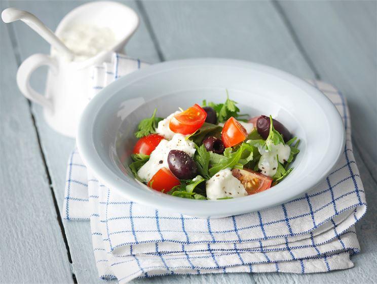 Salaattijuustokastike