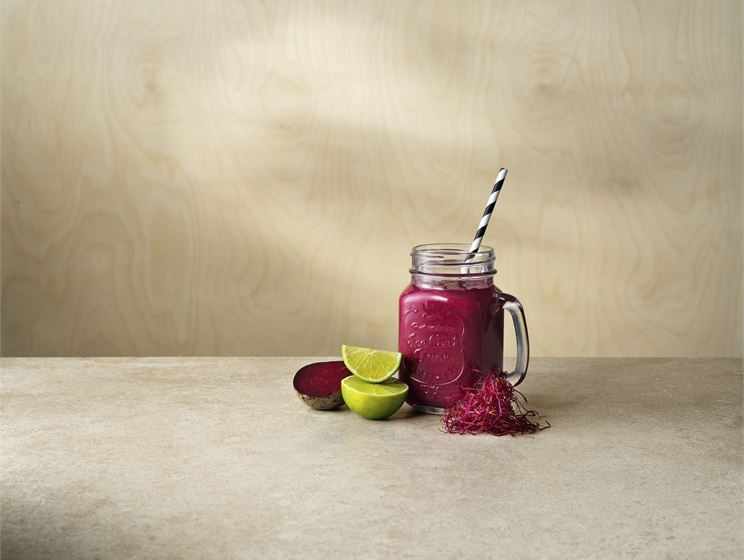 Berry & beet smoothie