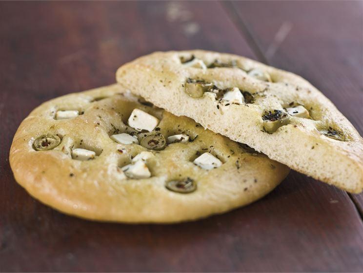 Oliivi-juustofoccaccio