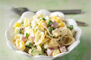 Kinkku-pastasalaatti