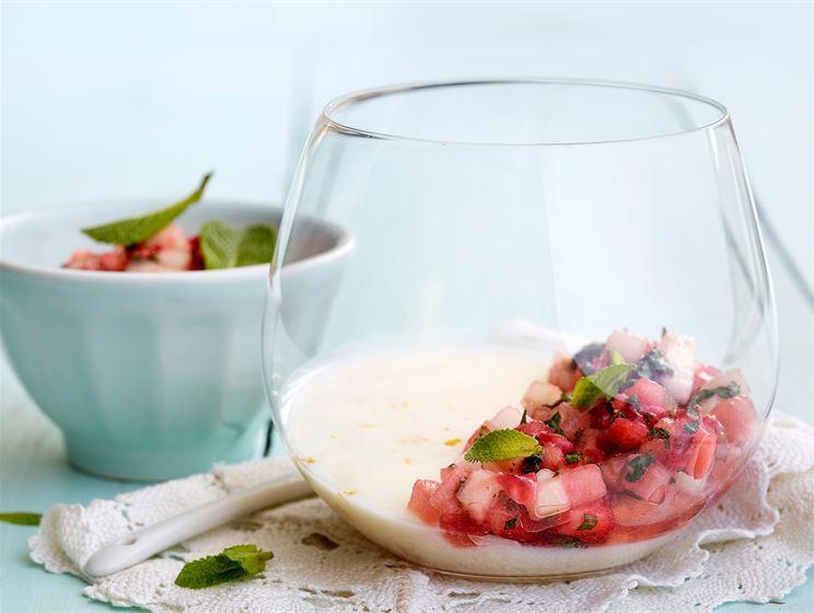 Piimä panna cotta & Meloni-minttusalsa