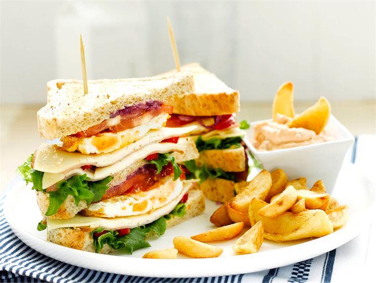 Koekeittiön club sandwich