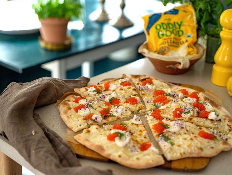 Vegansk pizza med tångkaviar