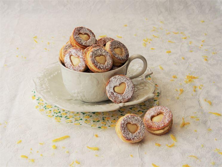 Pienipunainenkeittio blogin resepti: Sitruunaiset pikkuleivät