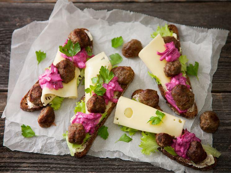 Lihapulla-juustoleipä