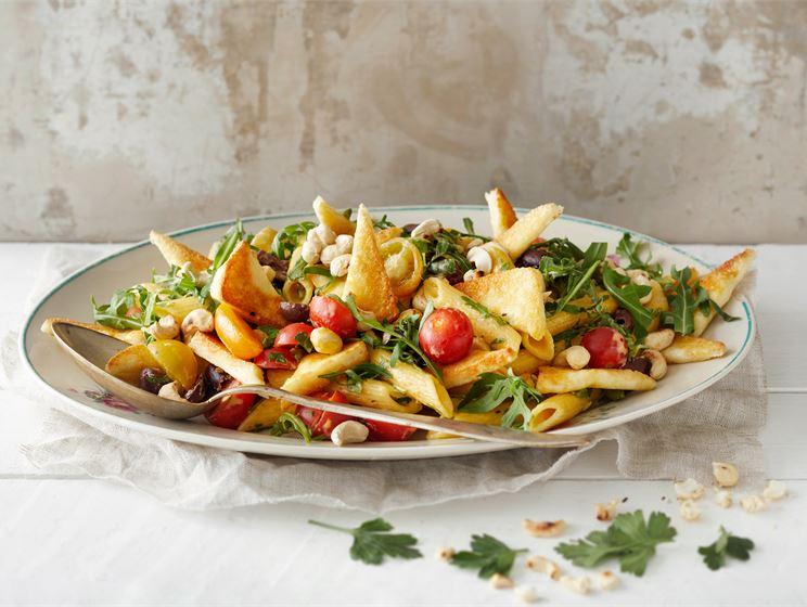 Grillijuusto-pastasalaatti