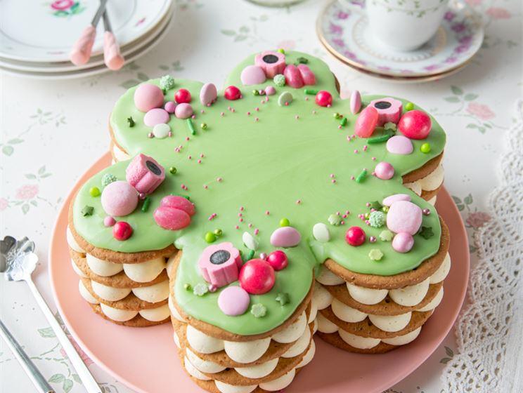 Kinuskikissan prinsessa-keksikakku