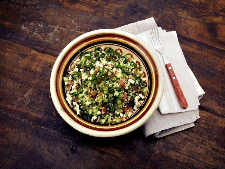 Teemu Laurellin juustoinen tabouleh-salaatti