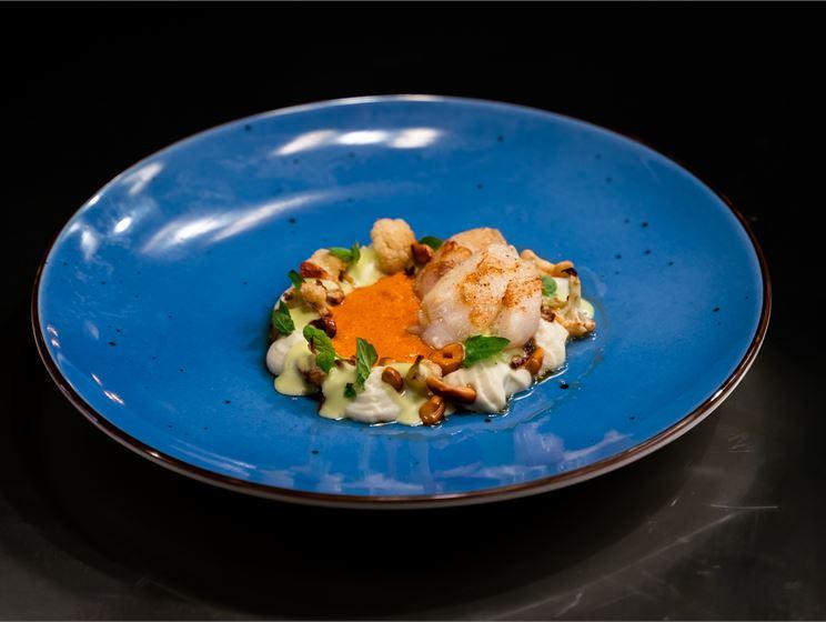 Sanna-Kaisan turskan poskea, currya, kukkakaalia ja pähkinää