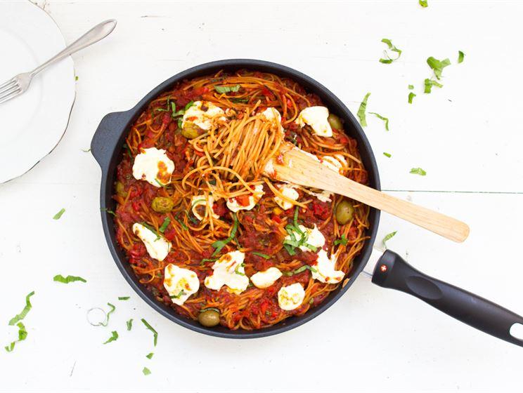 Tomaattinen tuorejuustospagetti