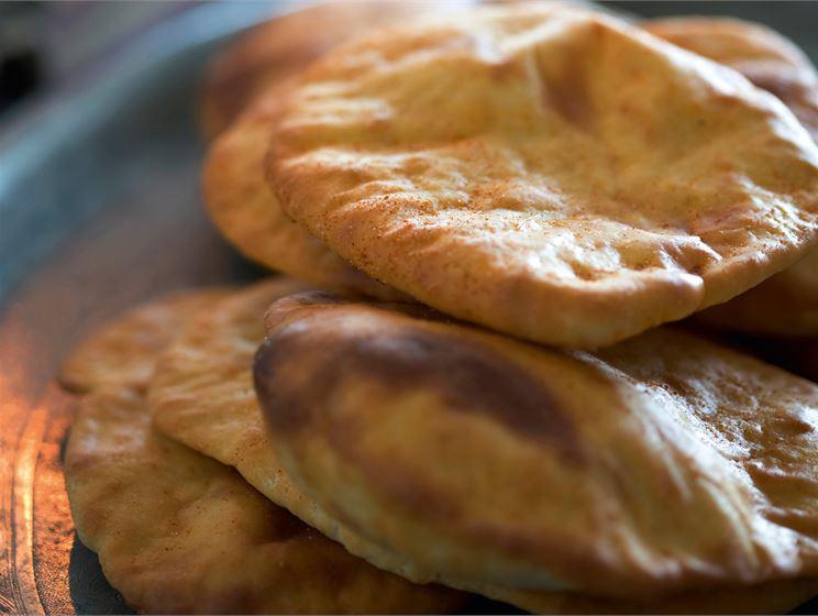 Intialaiset naan-leivät