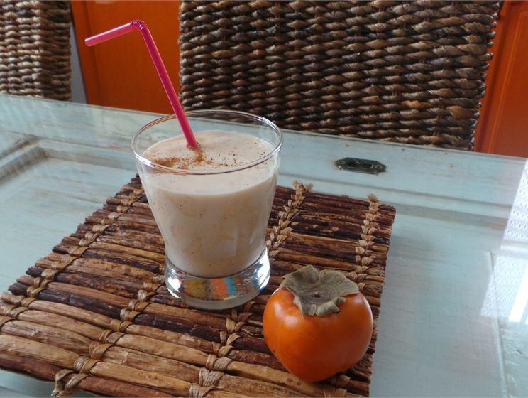 Kiivi-persimon-smoothie