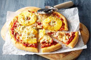 Kinkku-AURA-ananas pizza