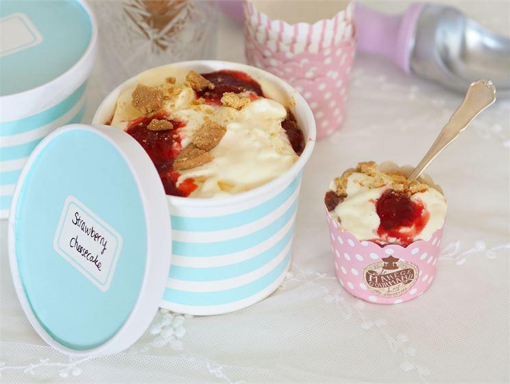 Makujakotona blogin resepti: Strawberry Cheesecake –jäätelö