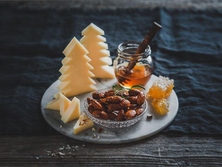 Makupari: Keisarinna ja hunajamantelit