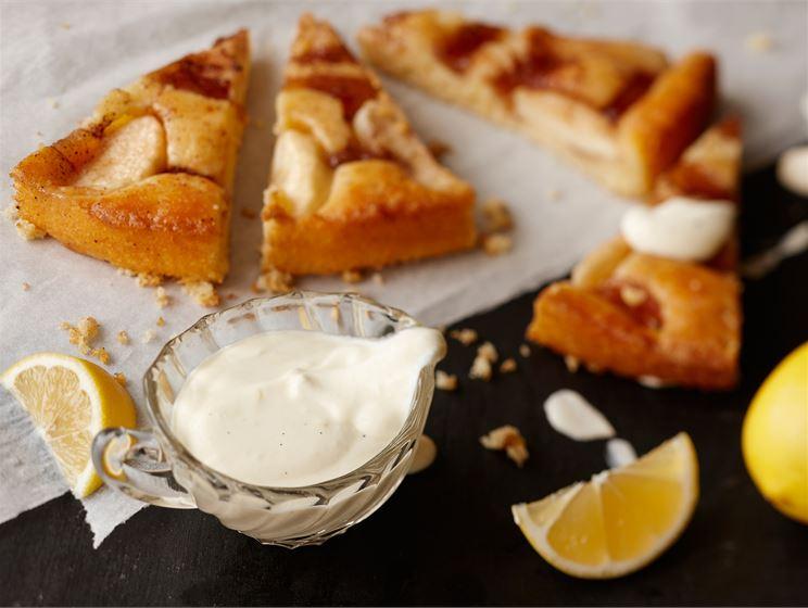 Kuohkea sitruuna-vaniljakastike