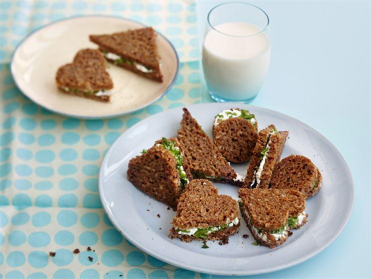 Ruisleipä-sandwichit lapsille