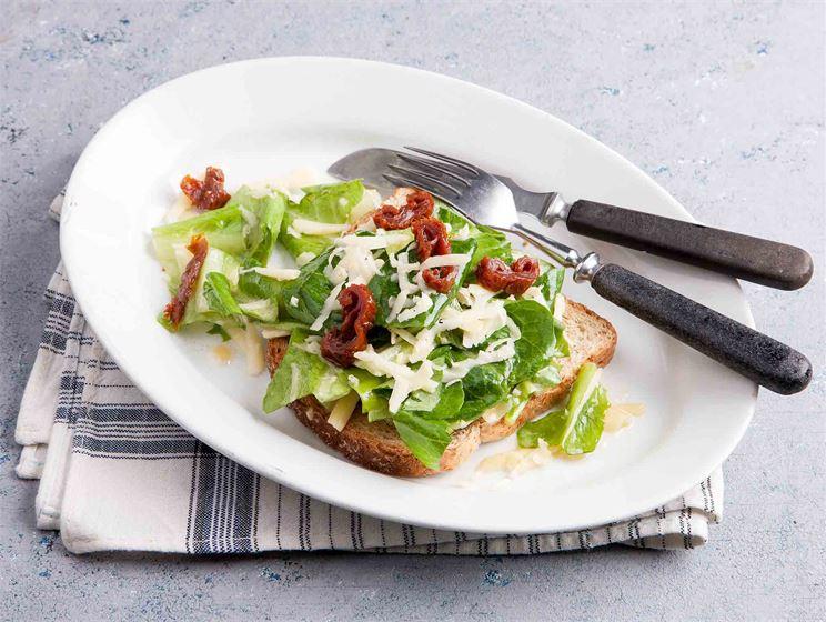 Caesarsalaattileivät