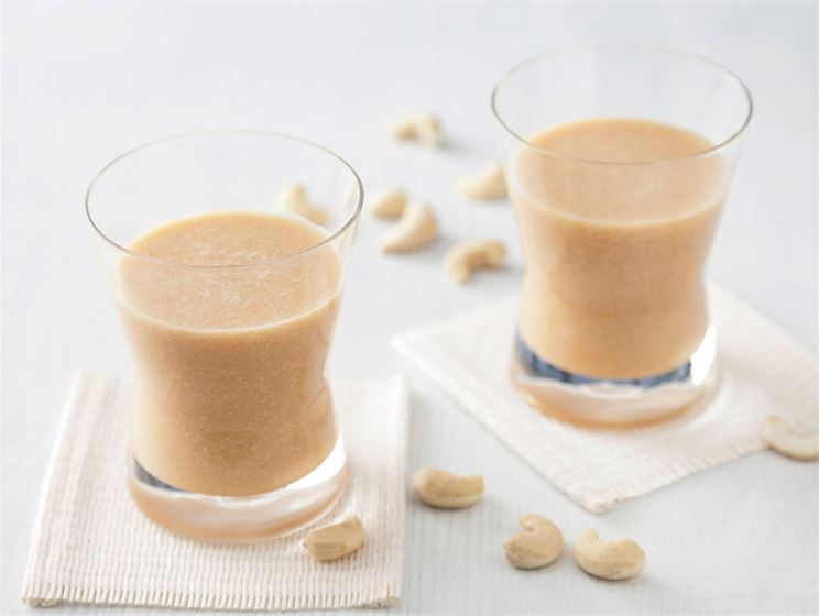 Pähkinä-hedelmäjuoma
