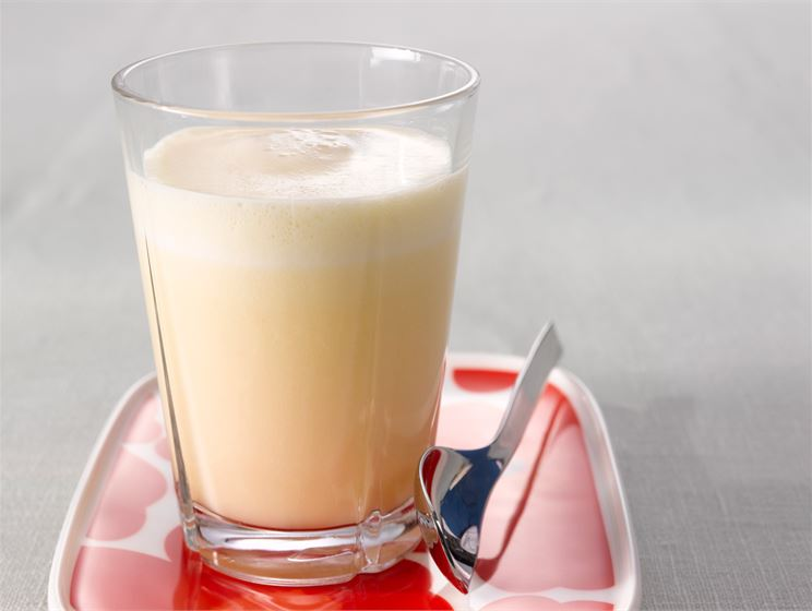 Hedelmä-piimäjuoma