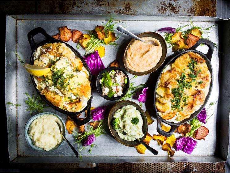 Matkornssallad med soltorkade tomater och ost