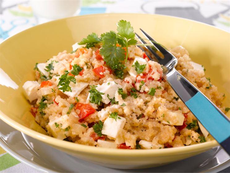 Couscous-kasvislisäke