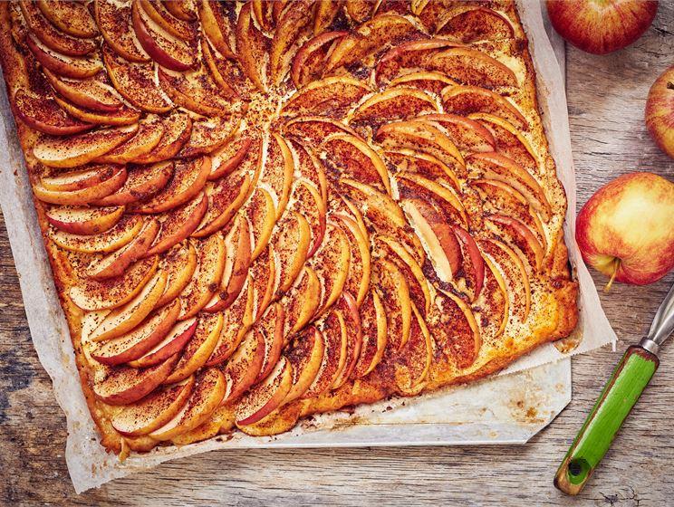 Omenapiirakka pellillinen