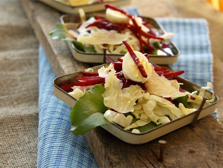Kapsa-peedi salat Forte juustulaastudega