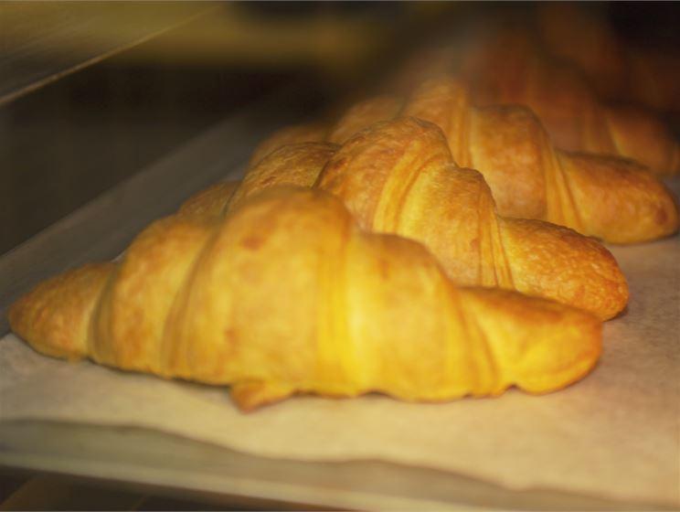 Laktoositon croissant