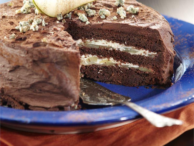AURA päärynä-suklaakakku